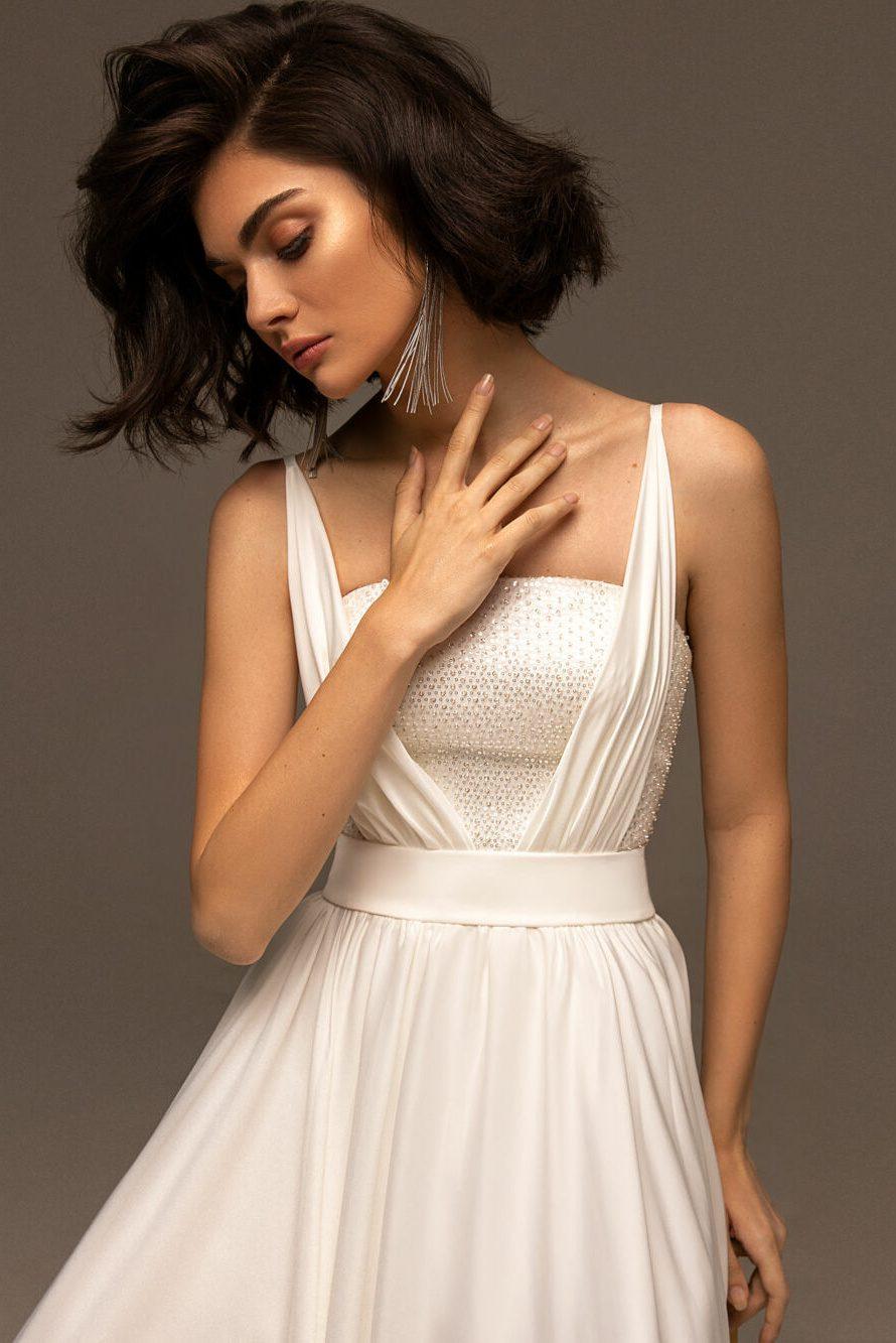 Jednoduché svatební boho šaty