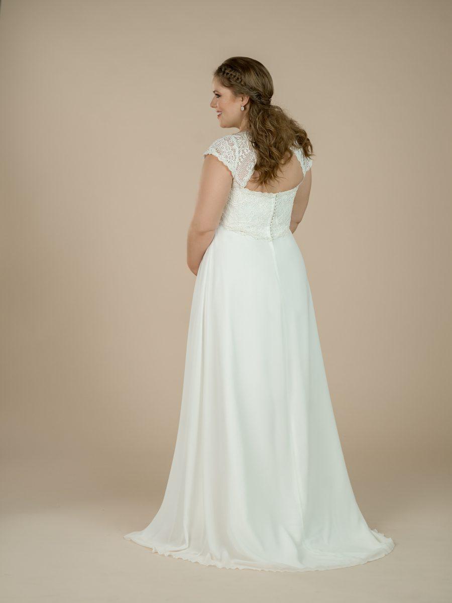 Těhotenské svatební šaty