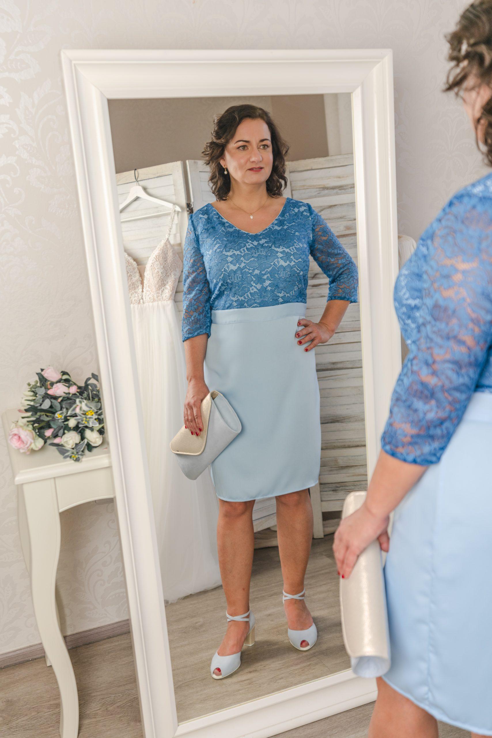 Šaty na svatbu pro maminky